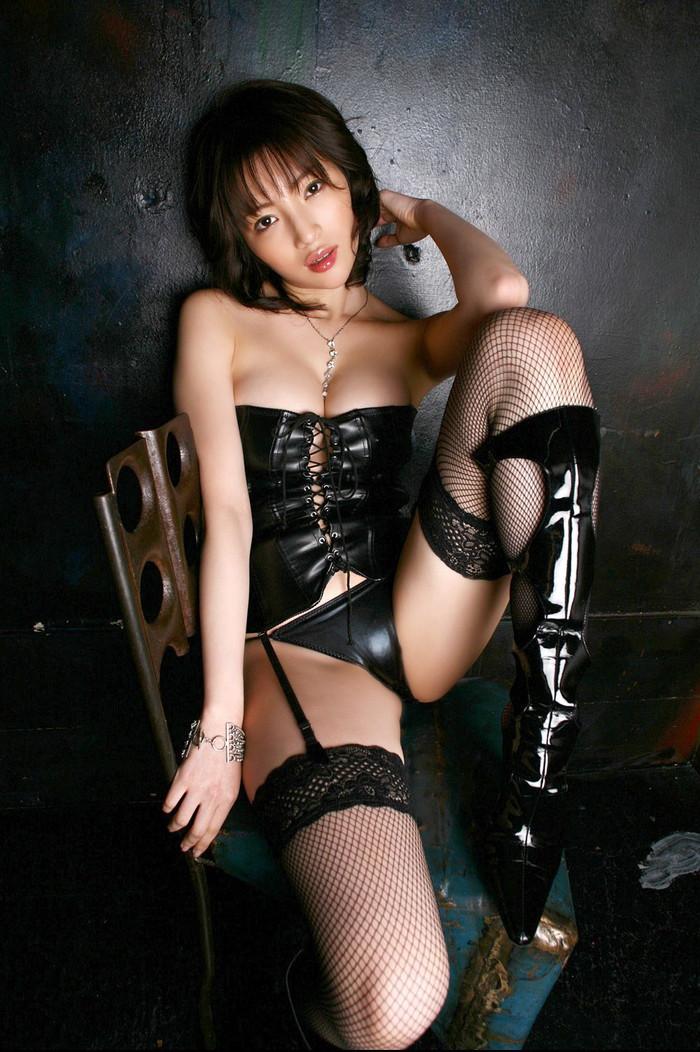【ボンテージエロ画像】ボンテージに身を包んだ女たちの雰囲気が激エロだな! 15