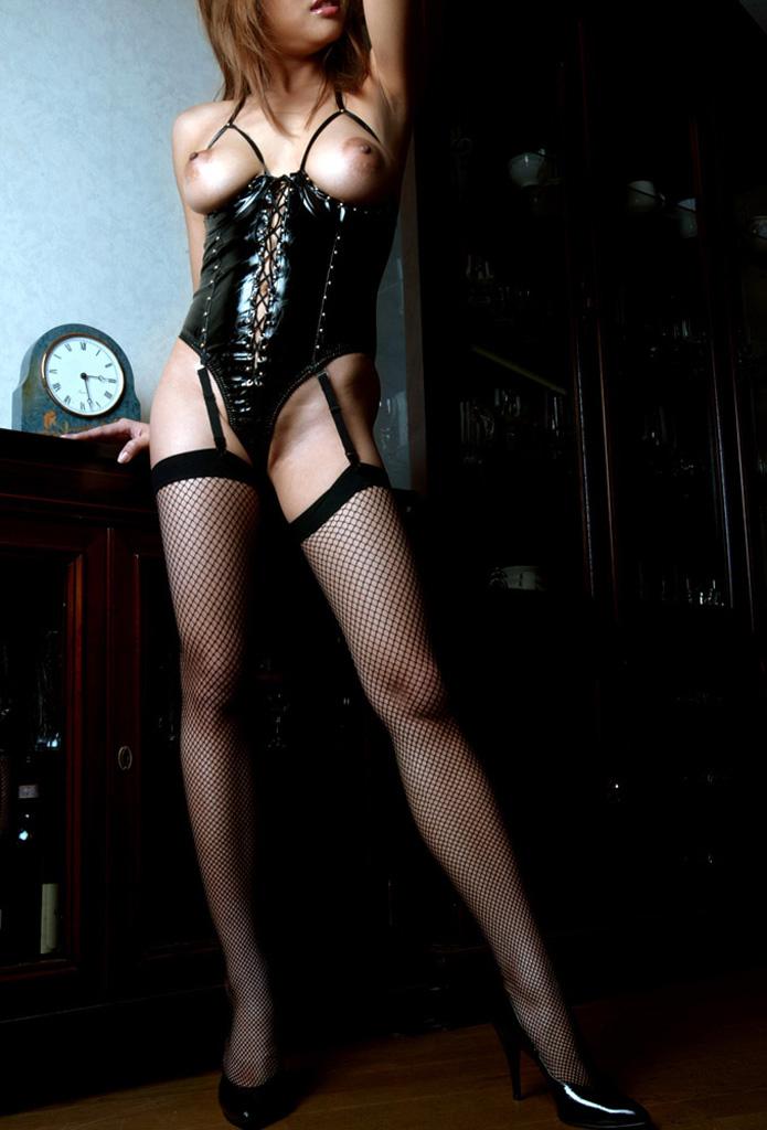【ボンテージエロ画像】ボンテージに身を包んだ女たちの雰囲気が激エロだな! 17