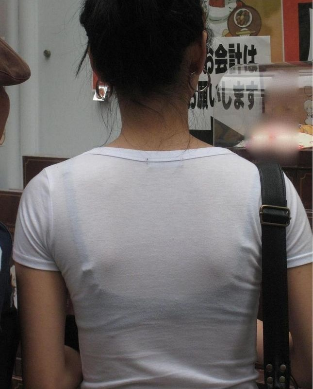 【透けブラエロ画像】街中でよく見かける透けブラを思う存分見てみたい! 14