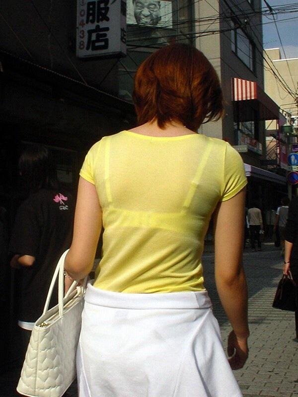 【透けブラエロ画像】街中でよく見かける透けブラを思う存分見てみたい! 15