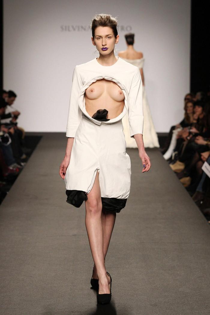 【海外ファッションショーエロ画像】こりゃファッションじゃなくて裸だろ!?w 09