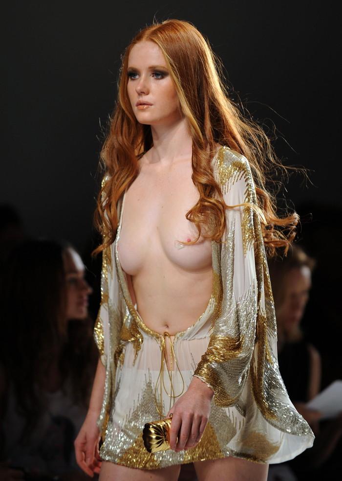 【海外ファッションショーエロ画像】こりゃファッションじゃなくて裸だろ!?w 13