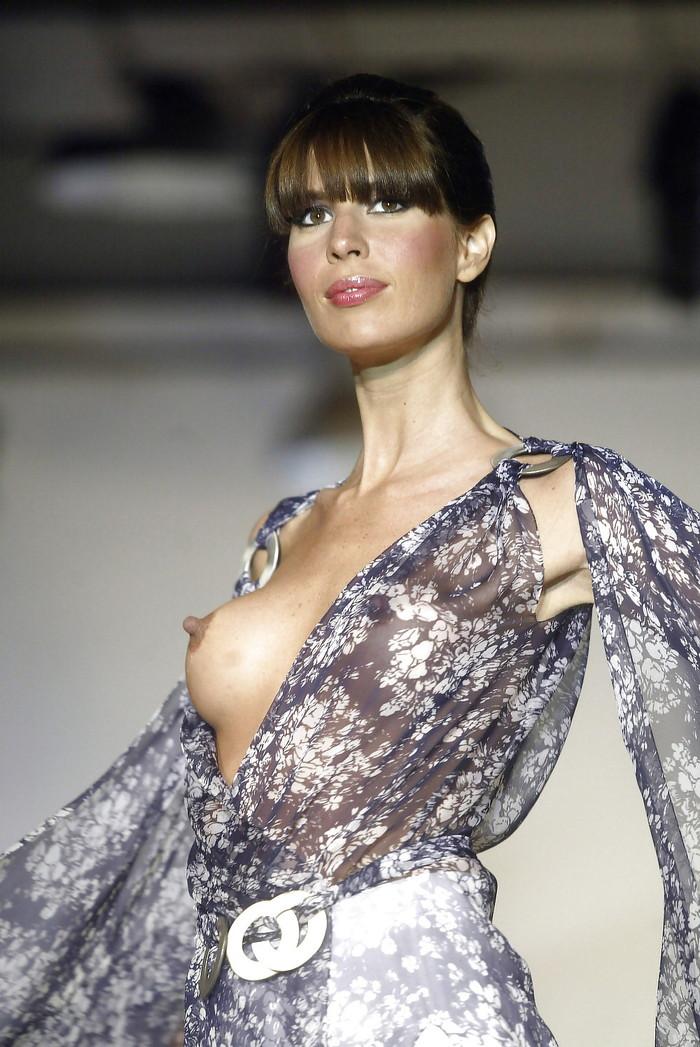 【海外ファッションショーエロ画像】こりゃファッションじゃなくて裸だろ!?w 19