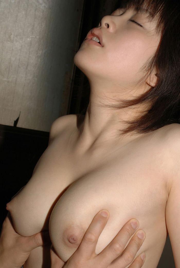 【おっぱいエロ画像】美乳すぎて眩しいぜ!点数つけるなら満点のおっぱい画像 13