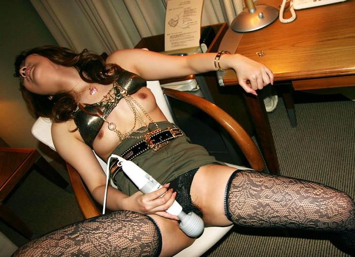 【電マエロ画像】他のアダルトグッズとは比較にならない電マの超刺激でオナニーする女たち! 24
