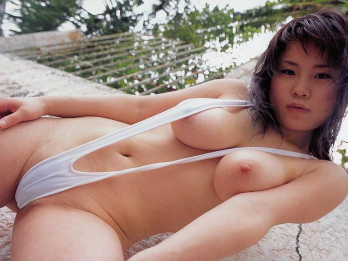 【スリングショットエロ画像】これは水着?もはや裸と言ってもいいスリングショットw 17