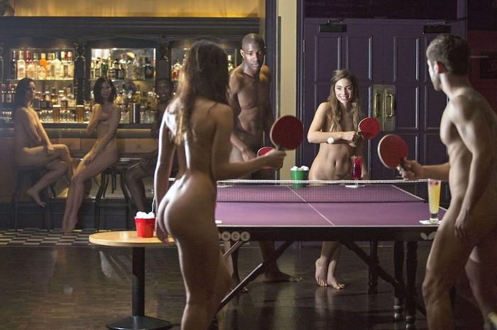 【全裸スポーツエロ画像】全裸でスポーツって開放的すぎるだろ!?w 13