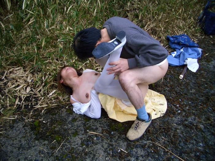 【レイプエロ画像】生々しいレイプ現場が思った以上にヒドイ! 24