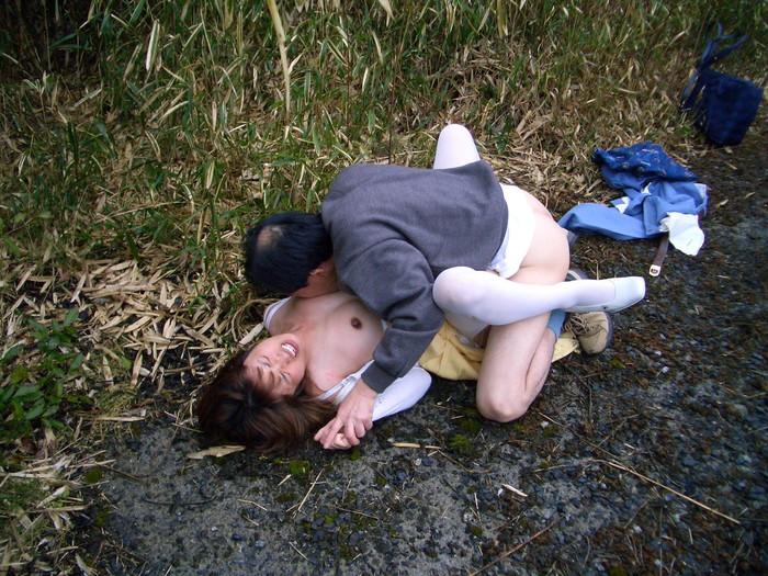 【レイプエロ画像】生々しいレイプ現場が思った以上にヒドイ! 25