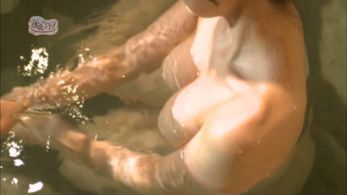 【TVキャプチャエロ画像】もっと温泉に行こうという番組が露骨に女の裸を…。 02