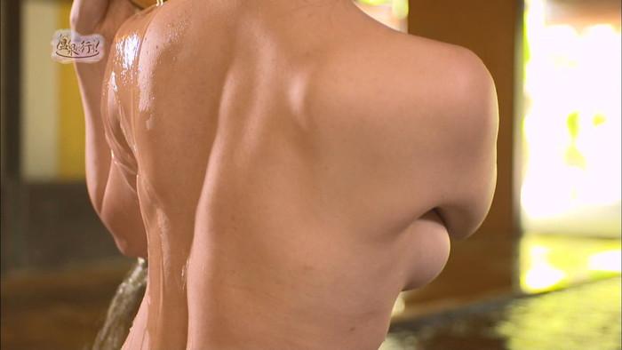 【TVキャプチャエロ画像】もっと温泉に行こうという番組が露骨に女の裸を…。 03