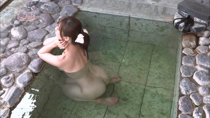 【TVキャプチャエロ画像】温泉に行こうのキャプ画からお尻をクローズアップ! 15