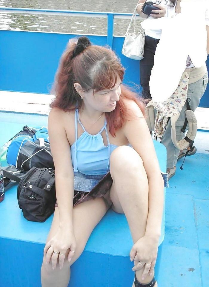 【ノーパンエロ画像】海外にノーパン女子は結構いる!?日本もあやかりたいw 03