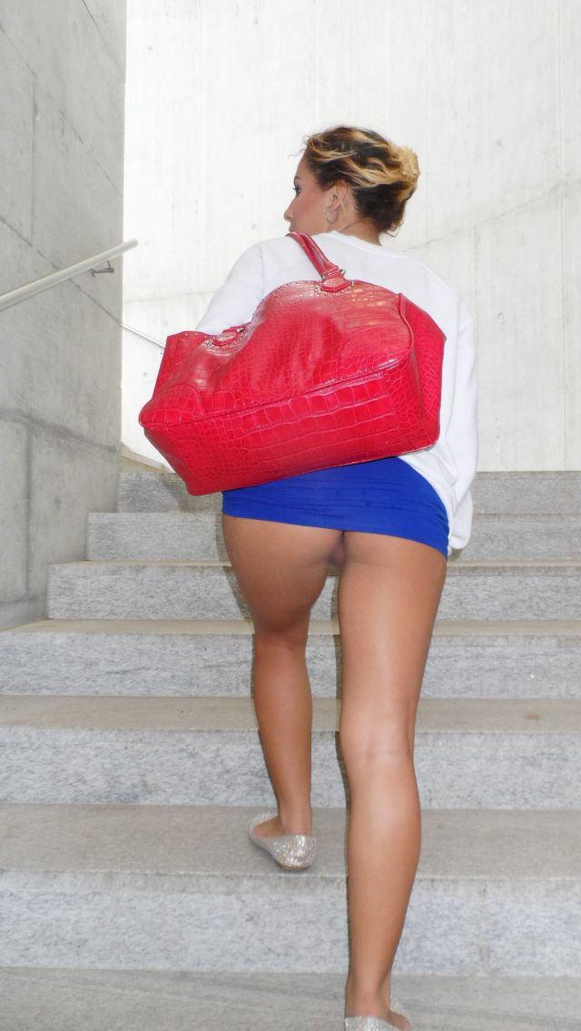 【ノーパンエロ画像】海外にノーパン女子は結構いる!?日本もあやかりたいw 25
