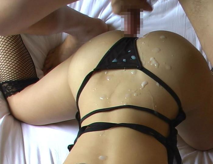 【お尻エロ画像】まんまるお尻にひときわ厭らしい白濁汁のトッピング! 18