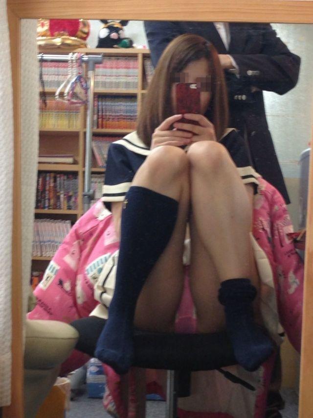 【素人自撮りエロ画像】素人娘が破廉恥な格好で自撮りした画像がネット流出したぞ 22