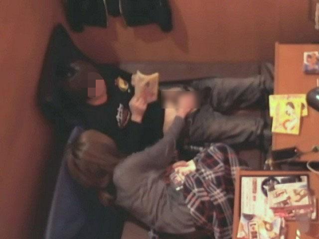 【ネットカフェエロ画像】ネットカフェの個室内はカオス状態!ハメてるカップル多数! 08