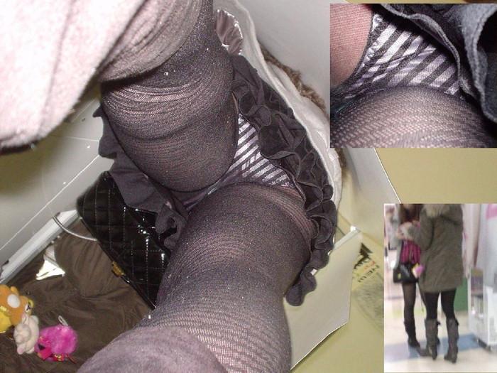 【パンチラエロ画像】パンチラは女の子のガードが緩んだ瞬間を狙うべし!w 08