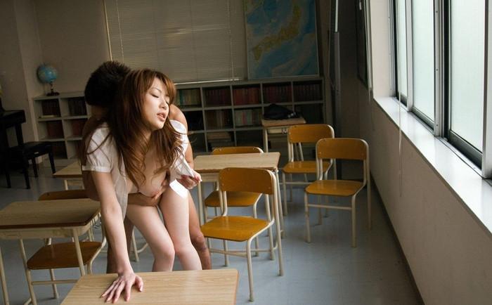 【セックスエロ画像】様々なエロ体位でセックスする男女の画像が衝撃的すぎる! 26