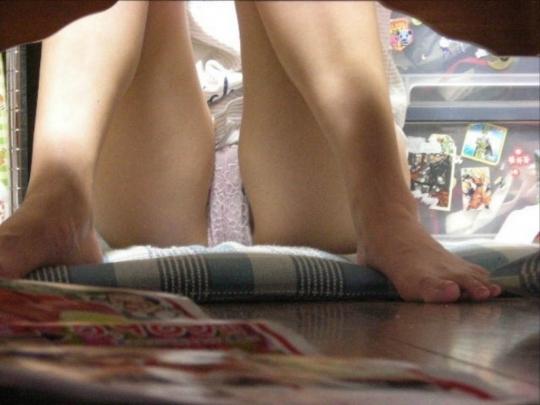 【盗撮エロ画像】いつの間にかネットに流出していた素人たちの盗撮エロ画像 06