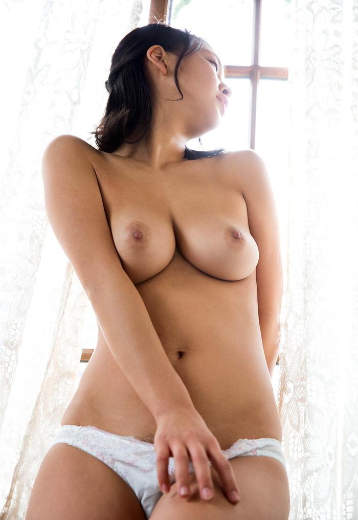 【AV女優エロ画像】南真菜果という元タレントでありRQでもあったAV女優が激カワ! 32