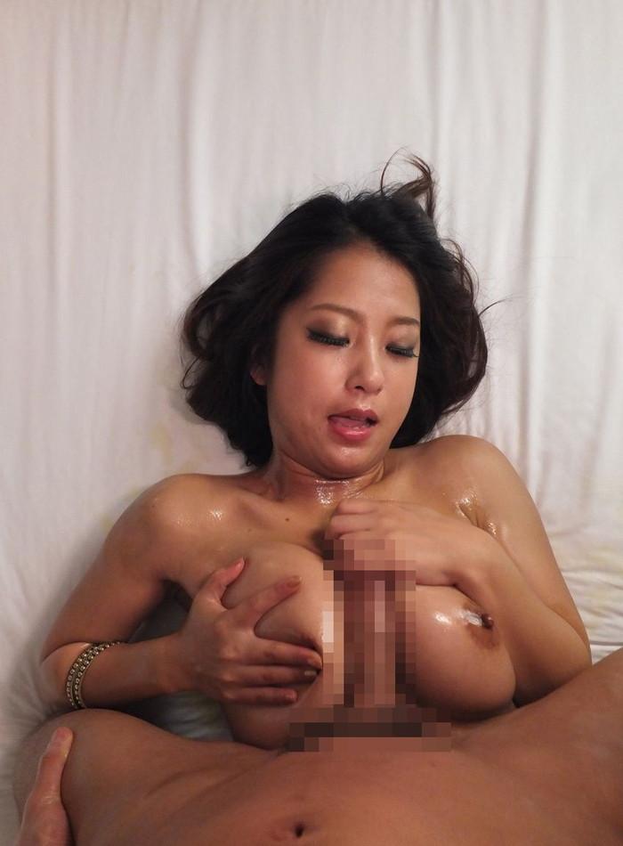 【パイズリエロ画像】巨乳という武器を惜しみなく使った性技がコチラ!w 14