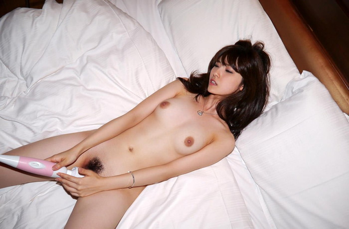 【AV女優エロ画像】正統派の清純系のルックスを持つ美人AV女優! 07