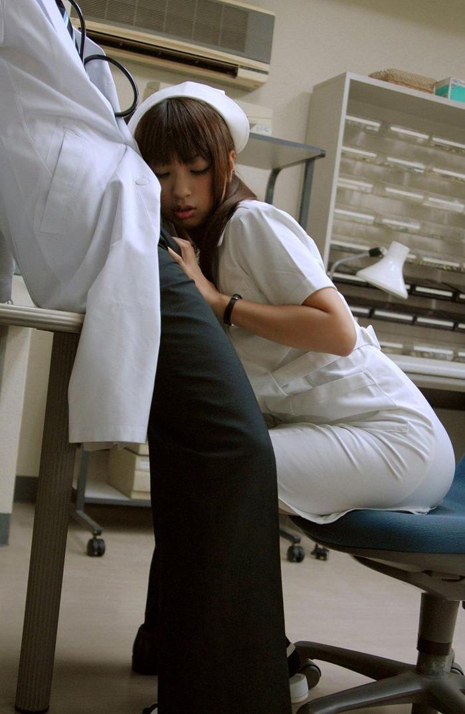 【ナースエロ画像】白衣の天使でもこんな厭らしい事するんだぜ!? 06