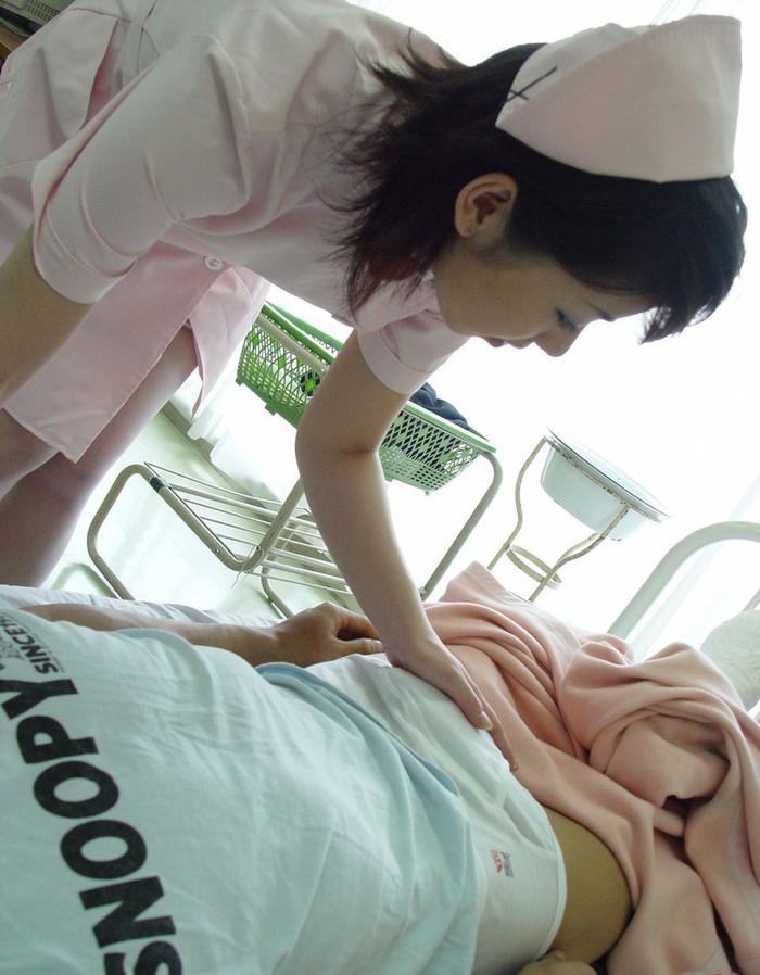 【ナースエロ画像】白衣の天使でもこんな厭らしい事するんだぜ!? 24