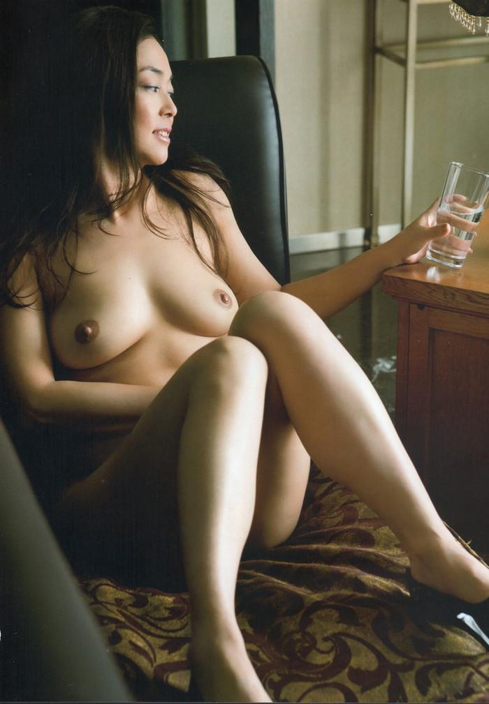 【脱いだ芸能人エロ画像】歴代の脱いだ芸能人たちの美しすぎる裸体に勃起必至! 19