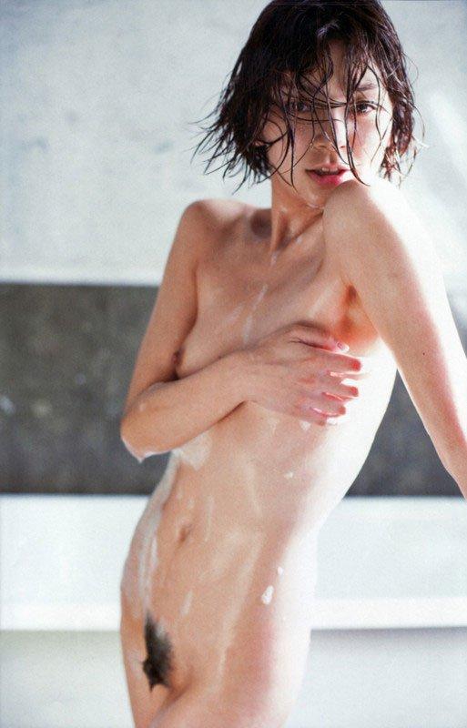 【脱いだ芸能人エロ画像】歴代の脱いだ芸能人たちの美しすぎる裸体に勃起必至! 24