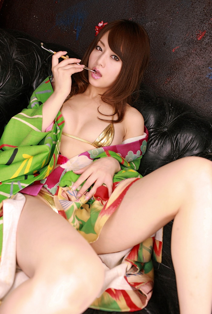 【AV女優エロ画像】男好きのする身体!ゴージャスボディーの吉沢明歩 05