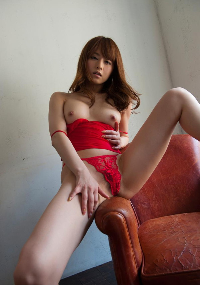 【AV女優エロ画像】男好きのする身体!ゴージャスボディーの吉沢明歩 28