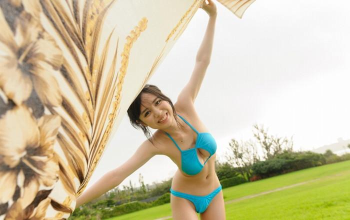 【吉川 あいみエロ画像】けしからんまでの巨乳!中学の頃からHカップという爆乳AV女優! 16