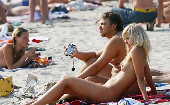【ヌーディストビーチエロ画像】こんな可愛い子がヌーディストビーチですっぽんぽん 05