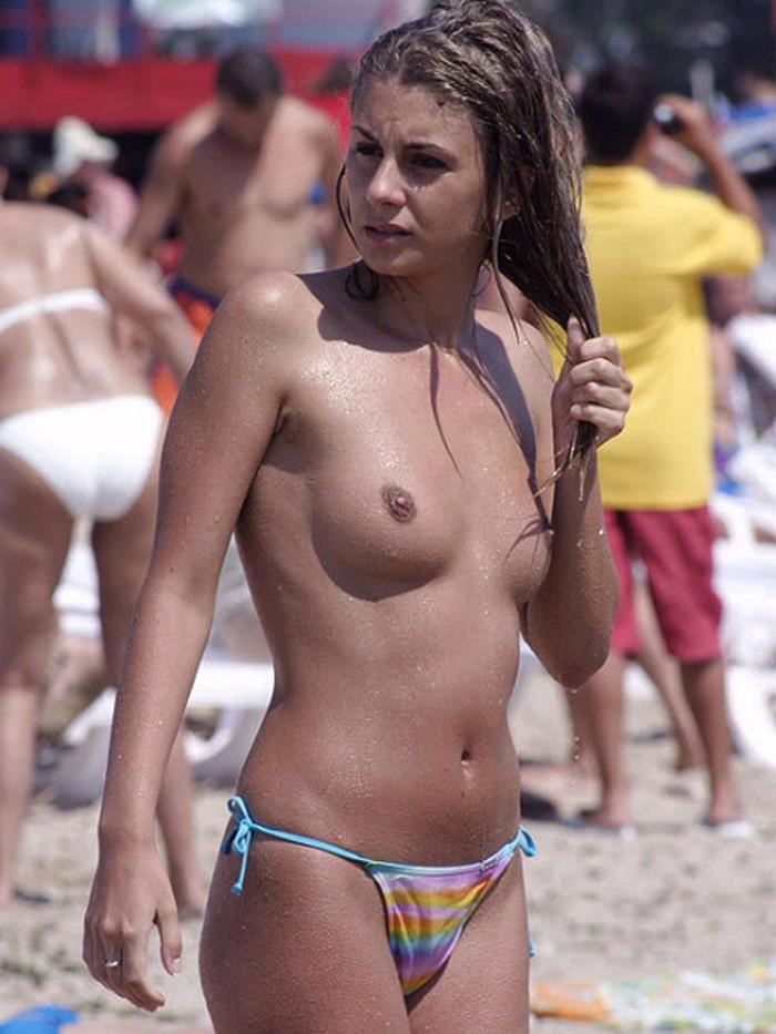 【ヌーディストビーチエロ画像】こんな可愛い子がヌーディストビーチですっぽんぽん 19