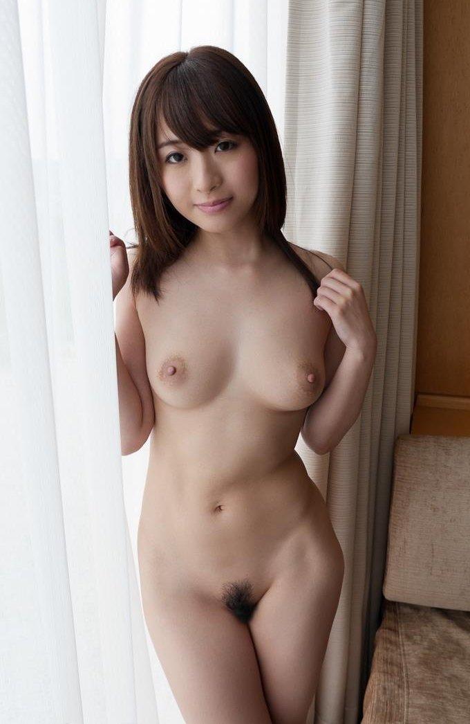 【初美 沙希エロ画像】男好きのするそのバランスの取れたプロポーションが悩ましい 29