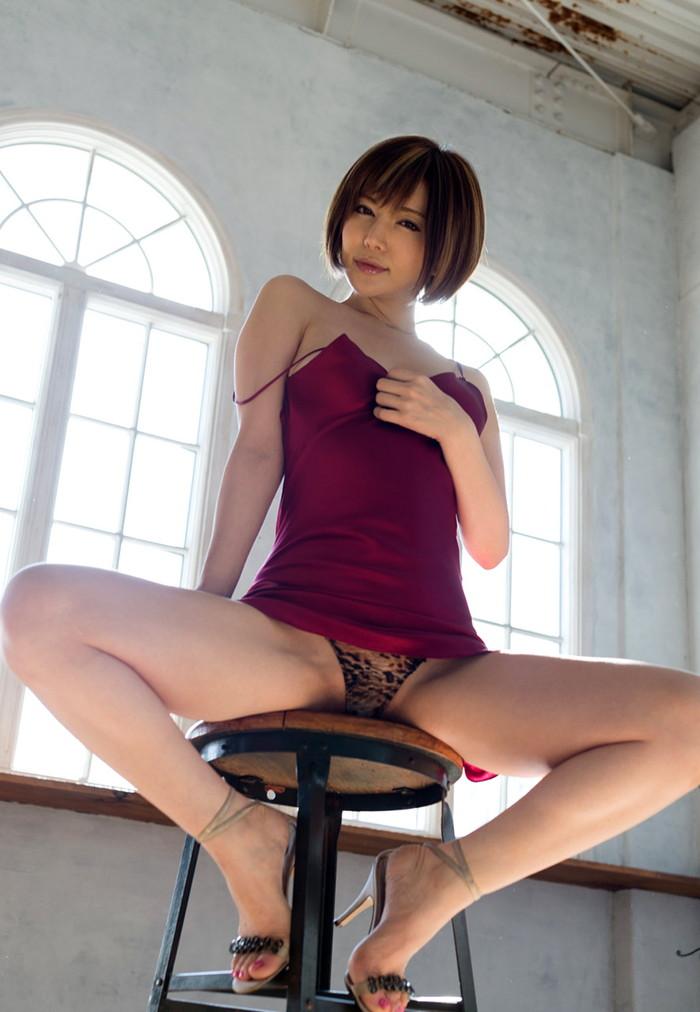 【AV女優エロ画像】根っからのスケベさは生まれつき!?6歳で初オナニー! 16