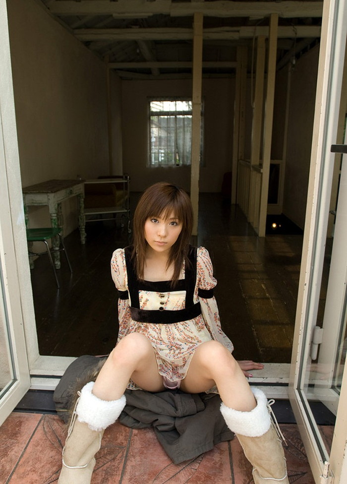 【AV女優エロ画像】まさに春のイメージがピッタリの透明感のある魅力のAV女優 10