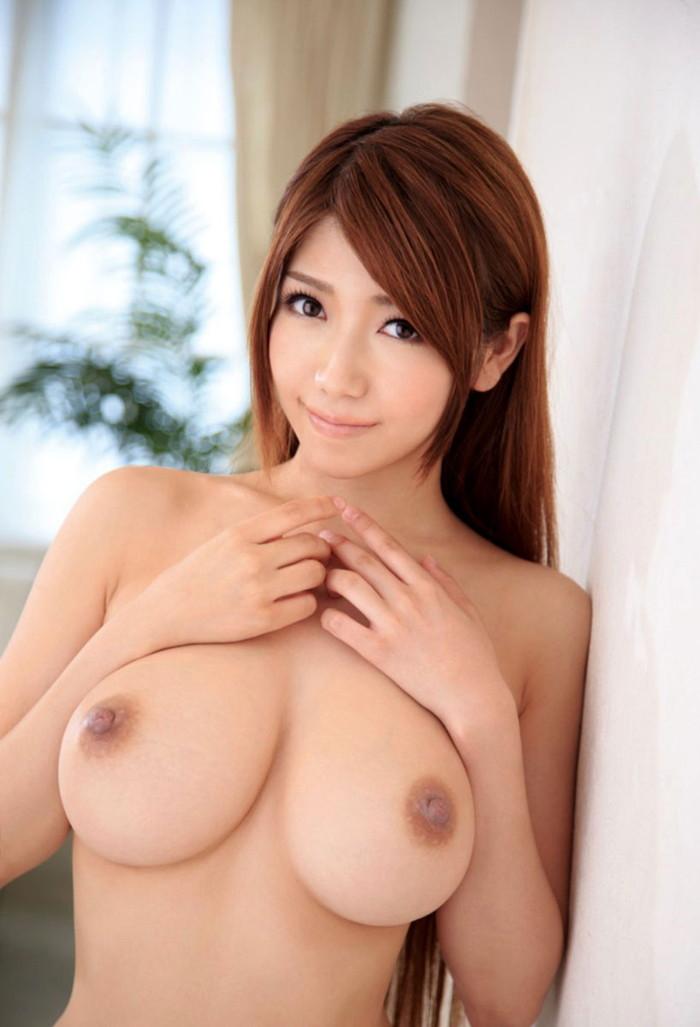 【美乳エロ画像】大きさはそれぞれだけど美乳揃いのおっぱい画像集 09