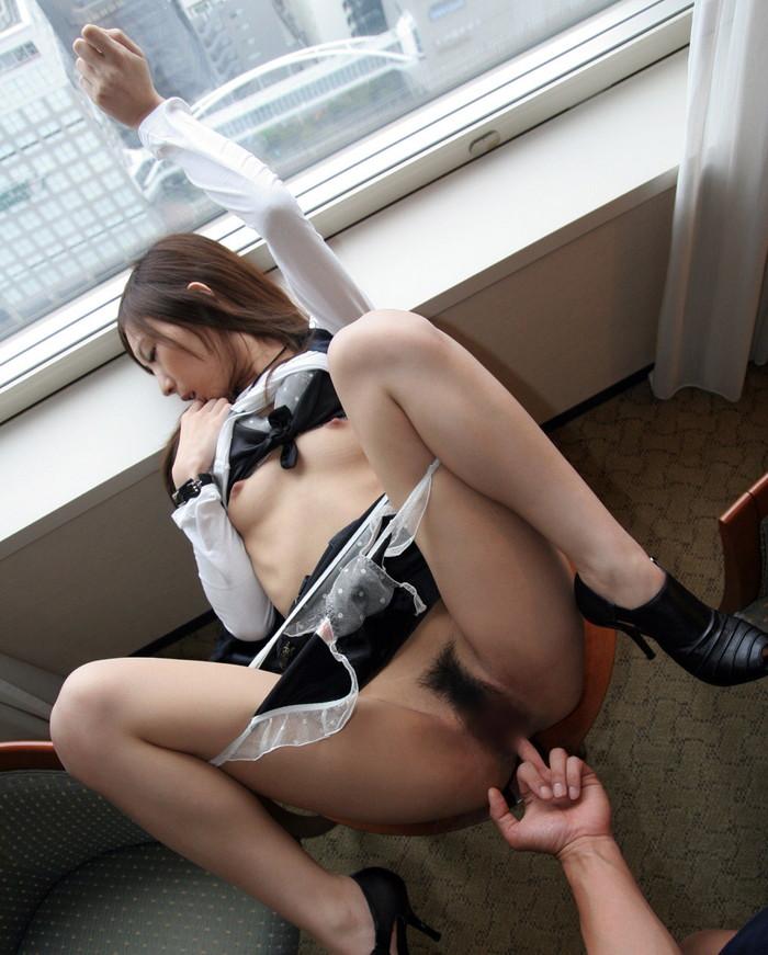 【手マンエロ画像】手マンされて本気度MAXで喘ぐ女がエロすぎッ! 05
