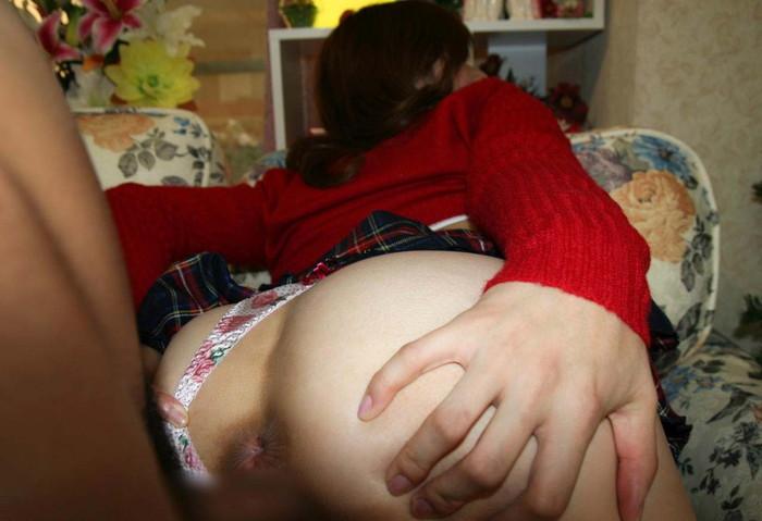 【着衣セックスエロ画像】乱れた着衣のまま犯される女たちが激的にエロい! 12