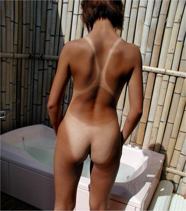 【日焼け跡エロ画像】夏の名残の日焼け跡にハァハァしてしまう画像がコチラw 32