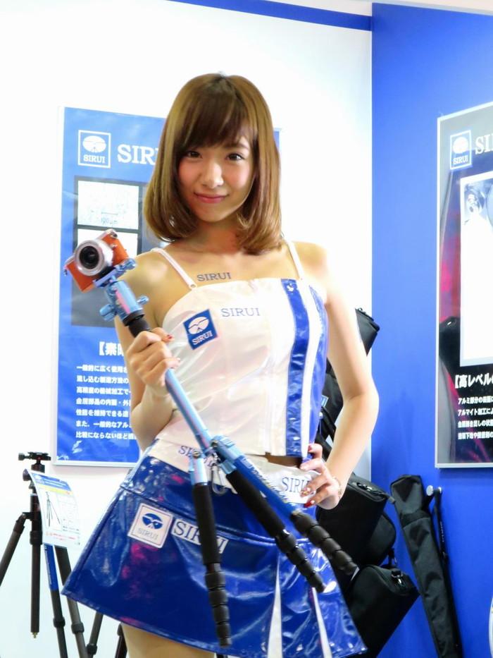 【キャンギャルエロ画像】日本人のみならず可愛いキャンギャル集めたった! 12