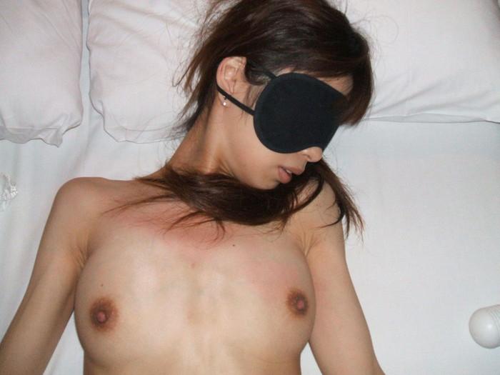 【ソフトSMエロ画像】パートナーとのセックスにマンネリを感じたらコレww 01